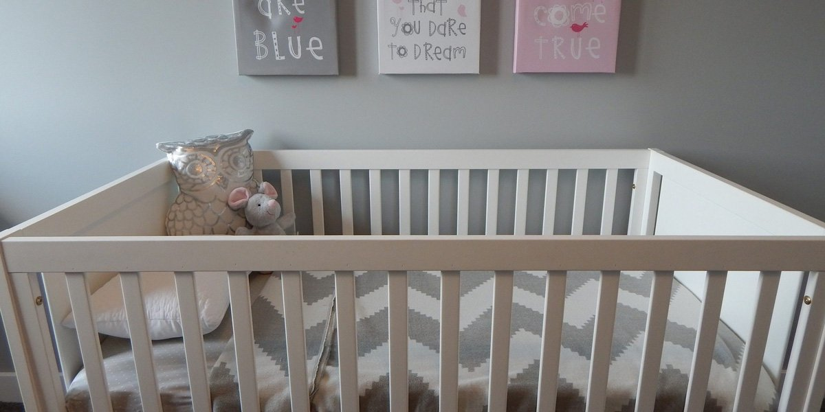 From Crib to Toddler Bed: 7 Tips to Successfully Transition Your Child
